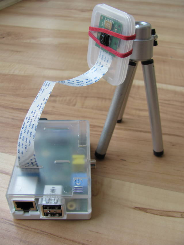 rpi-camera-case-with-tripod-stand